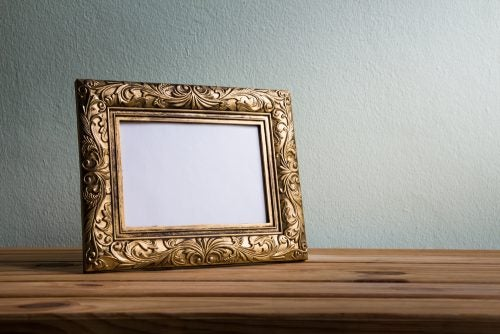 Vintage Wooden Frames for your Living Room