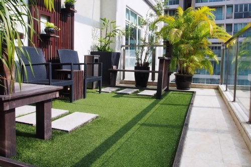 Artificial grass for the patio is anti allergenic and doesn't need maintenance