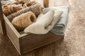 burlap thread