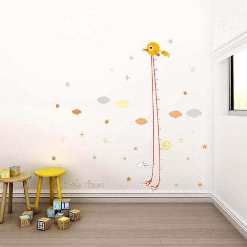 Among the many accessories for babies' bedrooms available, you could find a pretty growth height chart to put on the wall