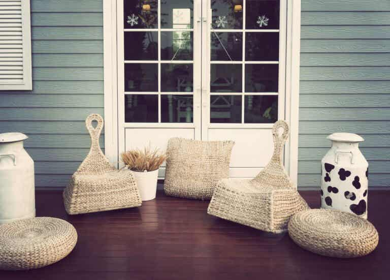 2 Ideas on Outdoor Chairs for Your House