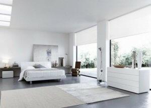 The large windows used in Italian decor help let in plenty of light.
