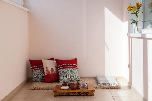Tiled flooring for your patio is a practical and economic choice