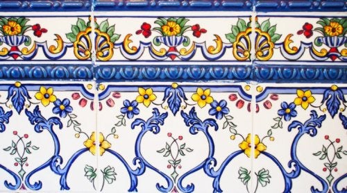 Use a combination of large tiles and frieze tiles for decorating your kitchen to add a splash of color and class