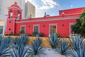 Mexican architecture features bright colors.