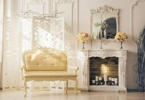 Use the elegant moldings of the boiserie to frame mirrors and paintings.
