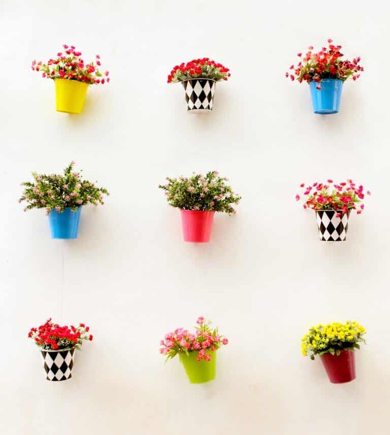 Personalize your Flower Pots in 4 Steps