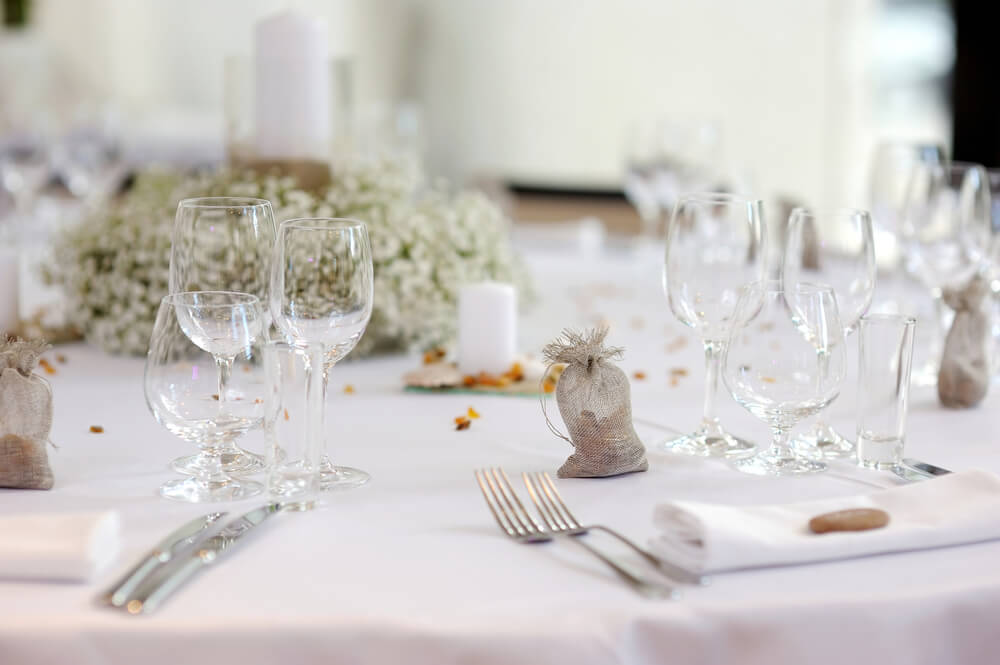 formal dinner featured