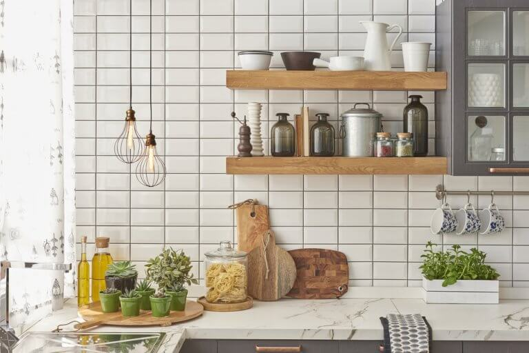 4 Tips for Choosing the Right Floor Tiles for Your Kitchen