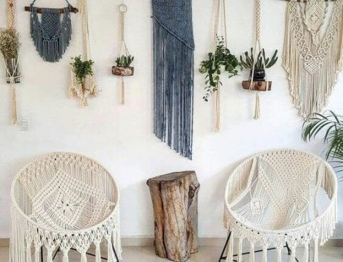 White macrame chairs are part of the new trend