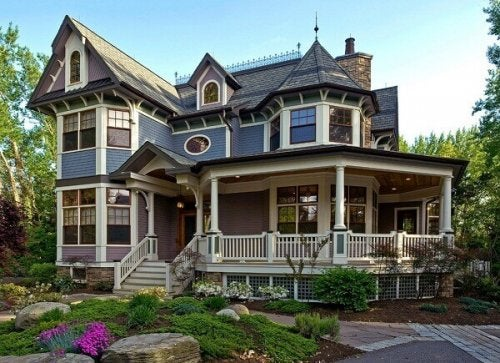 The architectural style of colonial houses is varied.