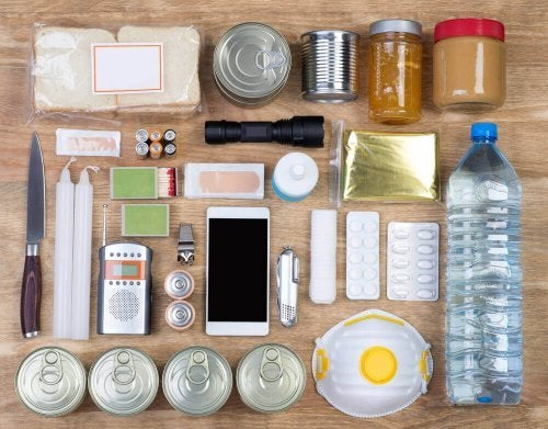 Home Earthquake Kit: What Yours Needs to Have