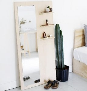 A mirror organizer as diy decoration