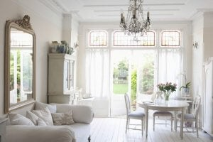 White living room decor in a classic style.