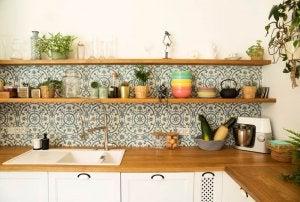 An orderly kitchen.