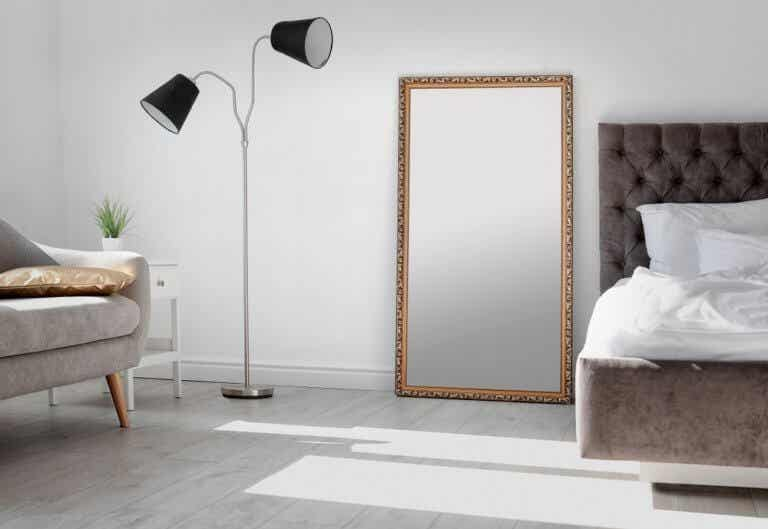 3 Placement Tips for Leaning Mirrors