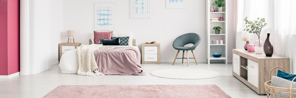 A tidy bedroom.