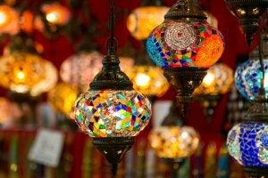 모스크의 램프.