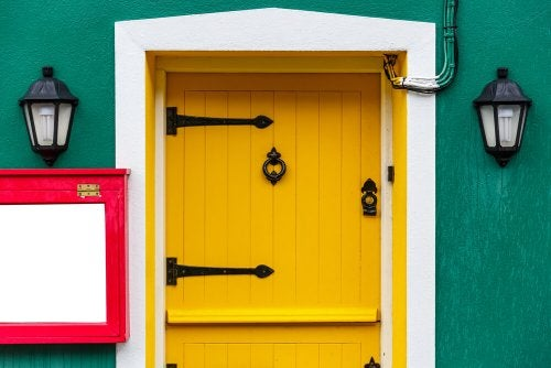 Liven Up Your Home - Ways to Decorate Your Doors