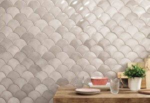 Neutral kitchen tiles.