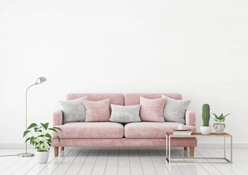 Trendy Pink Couches for Your Apartment