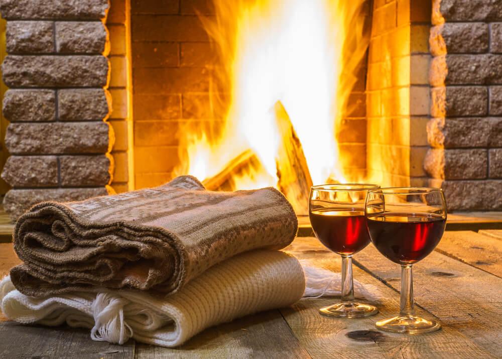 romantic dinner fireplace