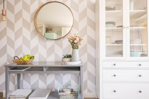 Decorating your Living Room with Round Mirrors