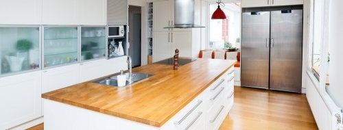 10 Reasons to Love Kitchen Islands