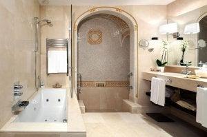 Roman-style bathroom.