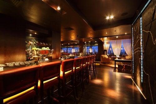 A pub at night.