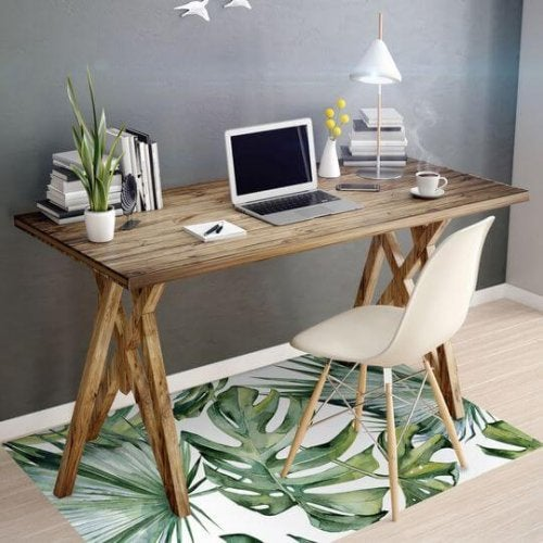 A nature inspired rug with a Monstera motif.