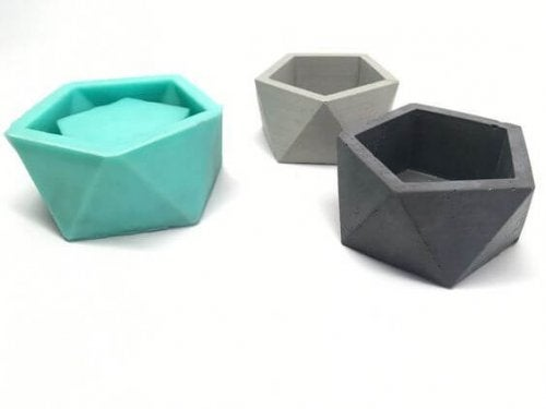 Geometric silicon containers.
