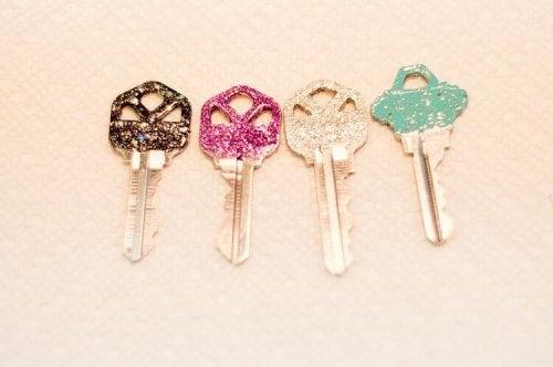 Four shiny keys.