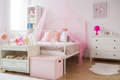 Canopy Beds Fit for Princesses