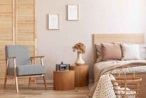 A zen-style bedroom.