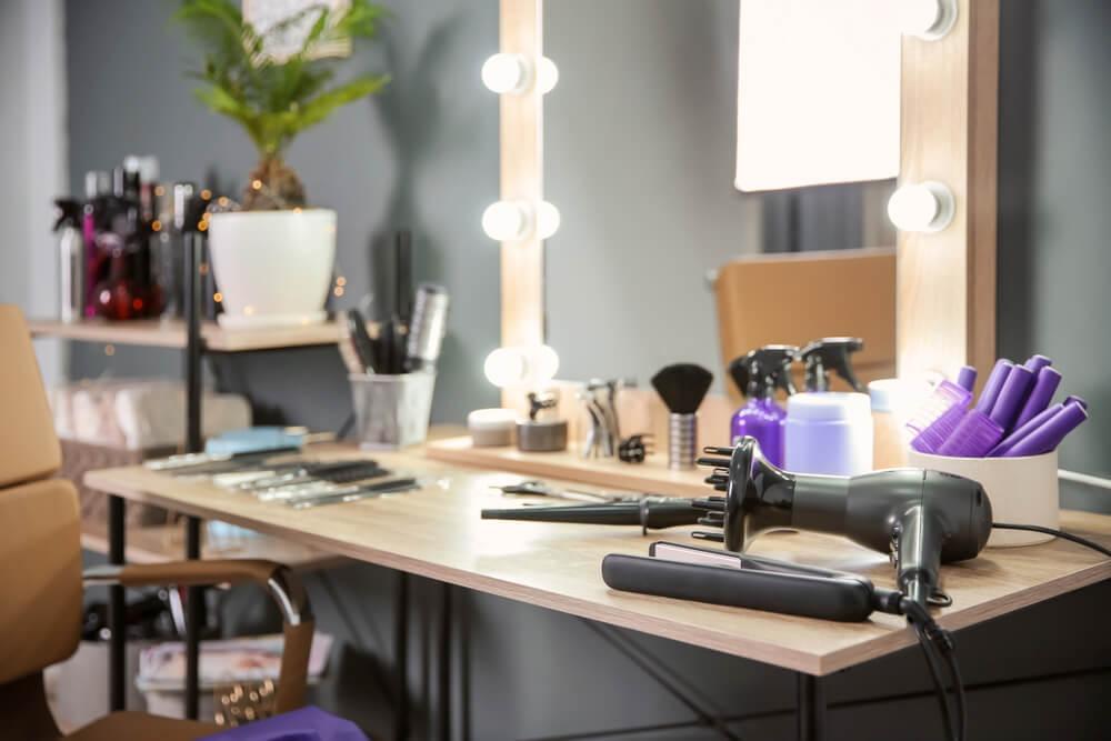 beauty salon lighting