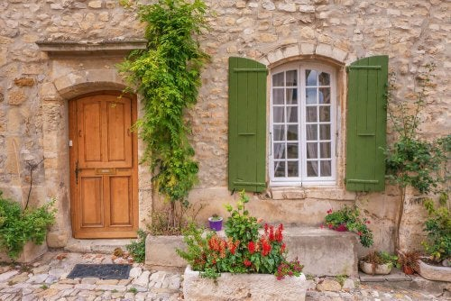 Types and Styles of Shutters