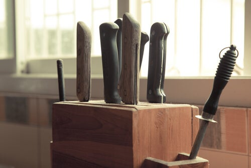 How to Make Your Own DIY Knife Holder