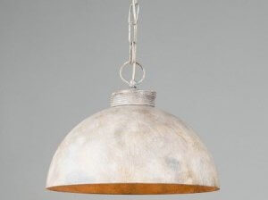 Use metal chains to decorate your lamps.