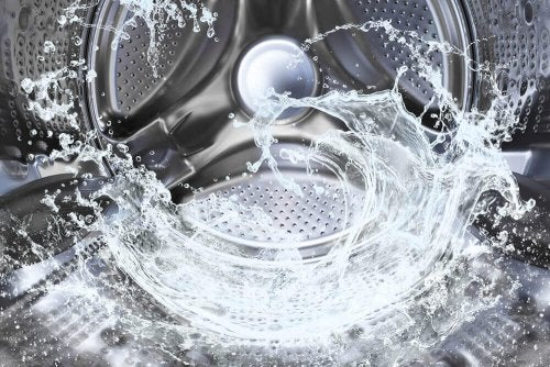 Water flowing naturally in a washing machine.