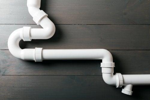 A white pipeline.