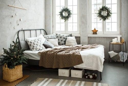 An eclectic bedroom.