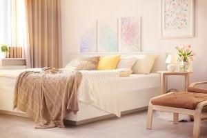 Neutral bedroom decor.