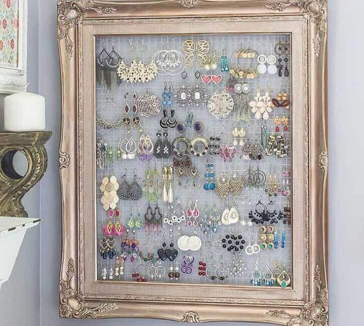 decorating frames jewelry