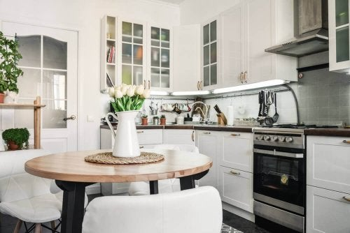 How Can You Choose a Table for Your Kitchen?