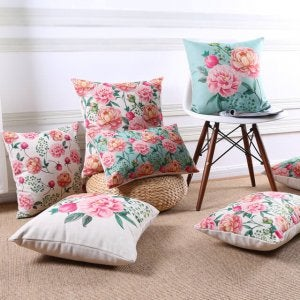 Spring decor: floral cushions.