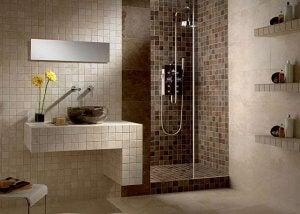 Doorless showers.