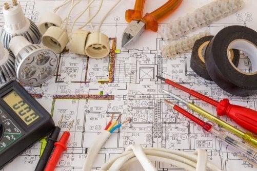 4 Inside Secrets of Electricians