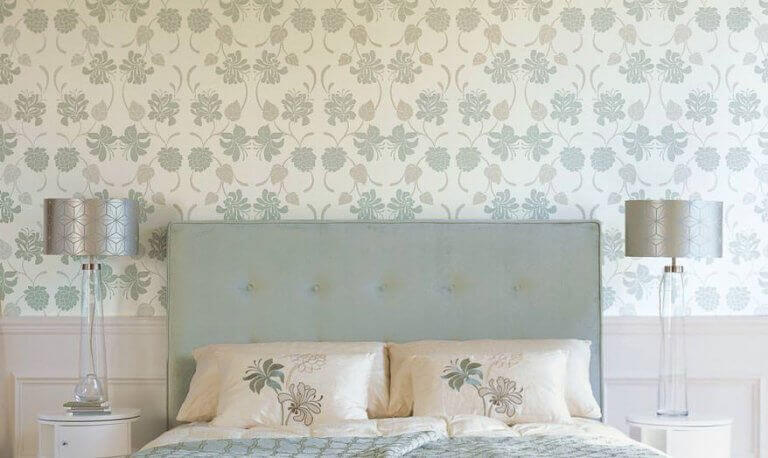 Wallpaper has many advantages such as covering marks on the walls