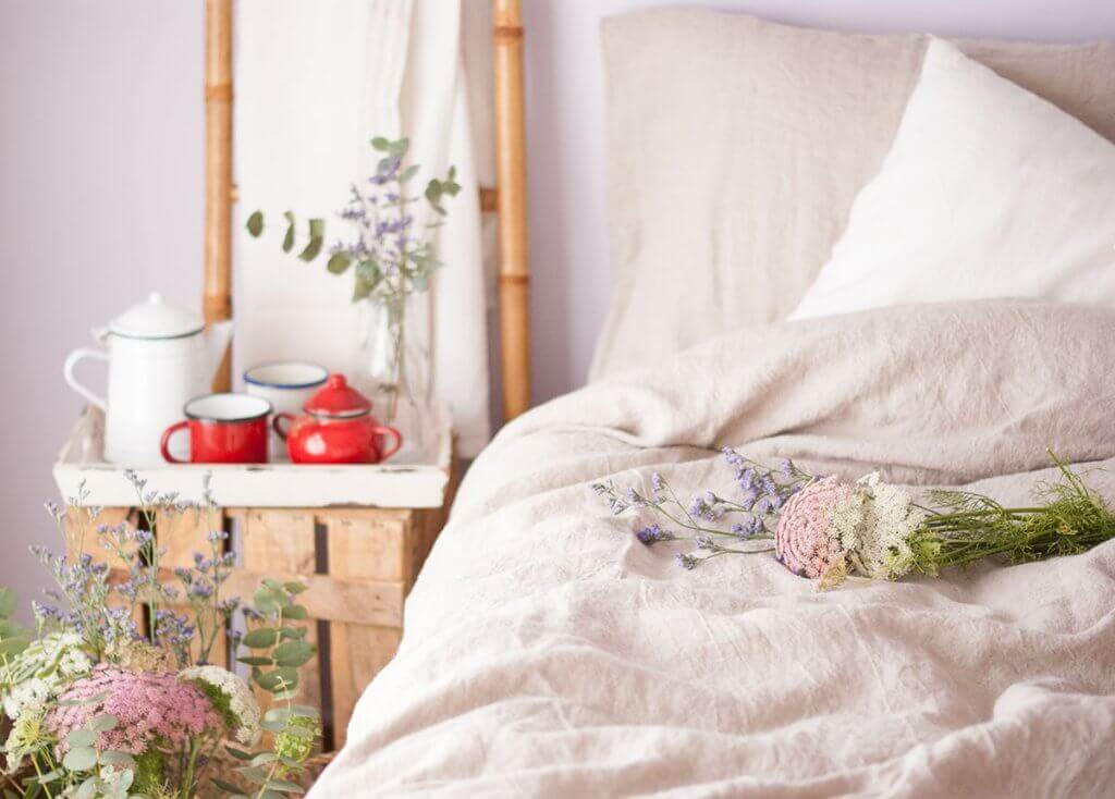 The advantages of linen bed sheets.